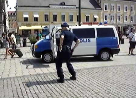 ruotsalaispoliisitanssii.png