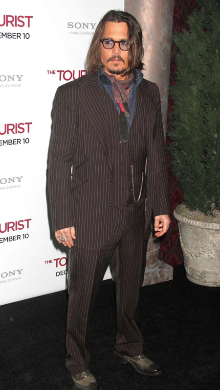 bang_johnnydepp_08122010.png