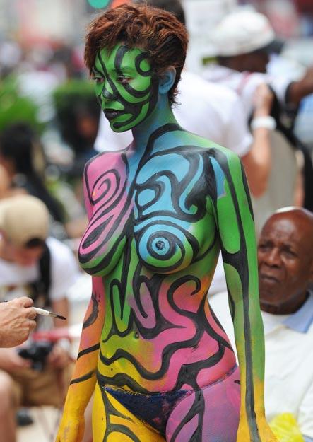 Musta tyttöjä alaston pissaa-5174