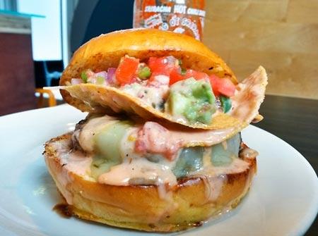PYT, Sarancha Burger