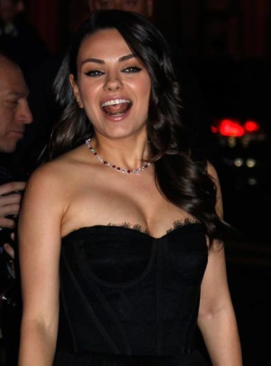 Mila Kunis suku puoli video