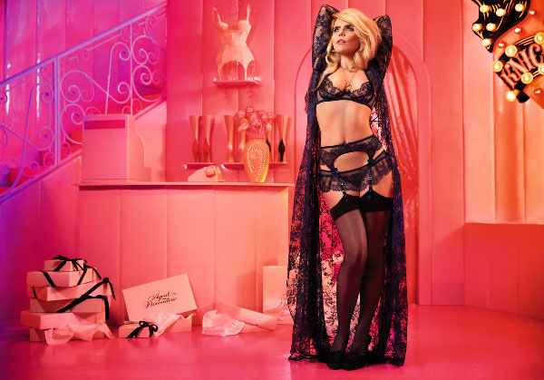 Splash, Agent Provocateur