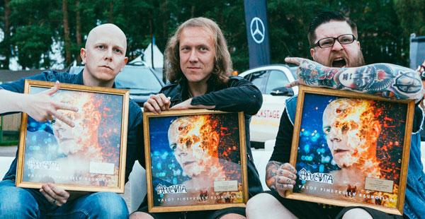 Apulanta sai kultasinglen, Kuva: Tikkurila Festivaali