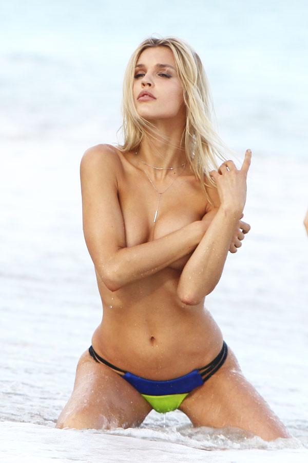 Joy Corrigan Strips For Topless Photoshoot On Miami Beach May Tubxporn 1