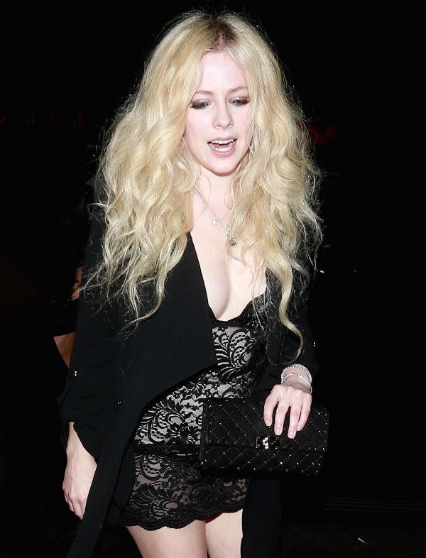 Avril Lavigne suku puoli video