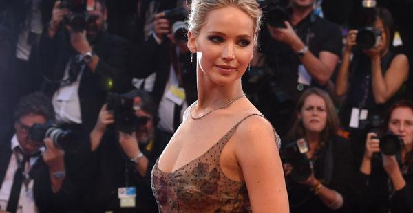 Jennifer Lawrence suku puoli video